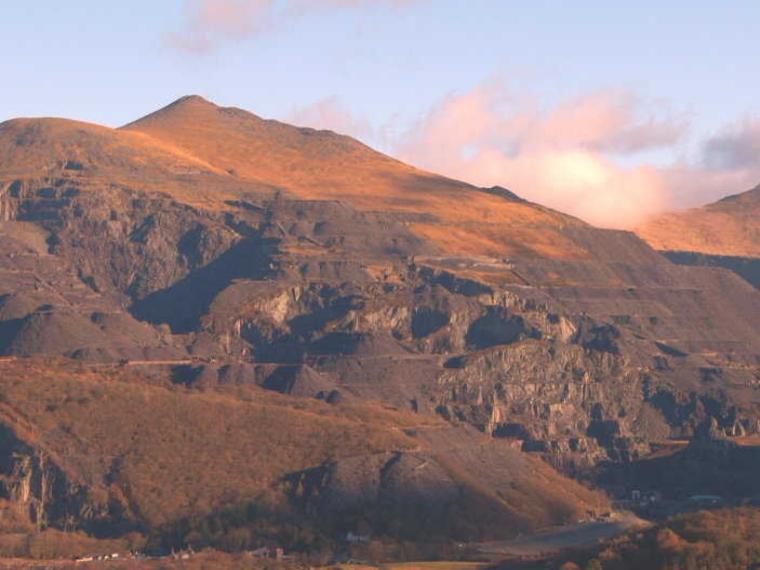 Mountain rescue snowdon weather webcam